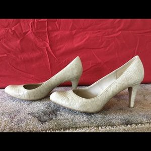 Pumps—ivory faux alligator patterned. Very hot!